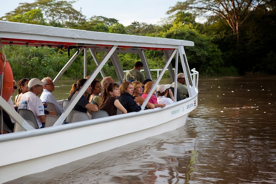 Costa Rica vacation boat tour